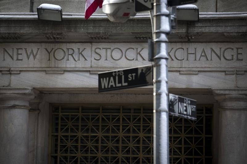 U.S. stock futures flat ahead of Q3 GDP as earnings hit halfway mark By Investing.com