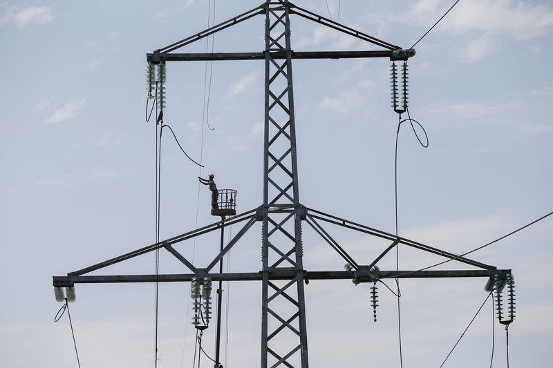 © Reuters.  Электроэнергетика: два года без роста потребления