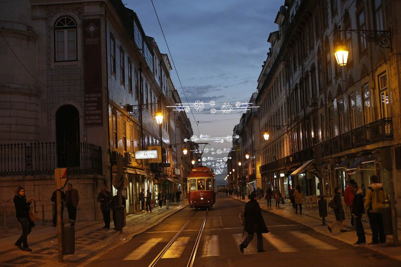 Portugal shares higher at close of trade; PSI 20 up 0.83%