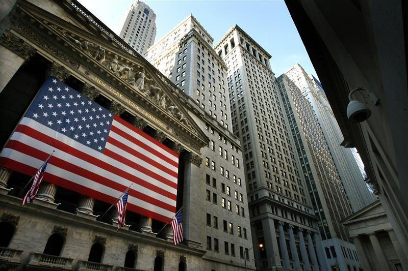 © Reuters.  Pasar saham AS ditutup menguat; Dow Jones untung besar 0.64%