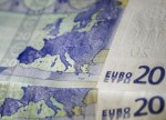 Forex - Euro gives up gains as Greece worries persist