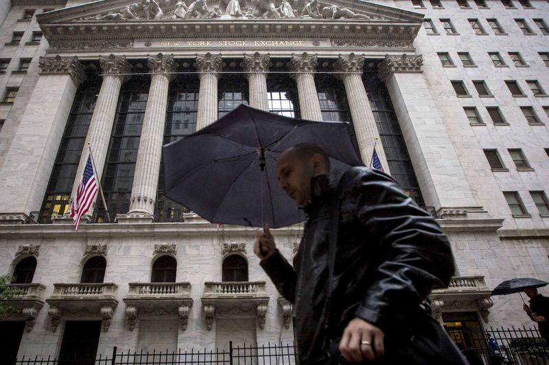 © Reuters.  Рынок акций  США закрылся падением, Dow Jones снизился на 1,02%