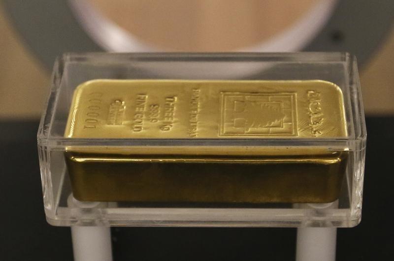 © Reuters.  Futures emas lebih rendah selama sesi AS