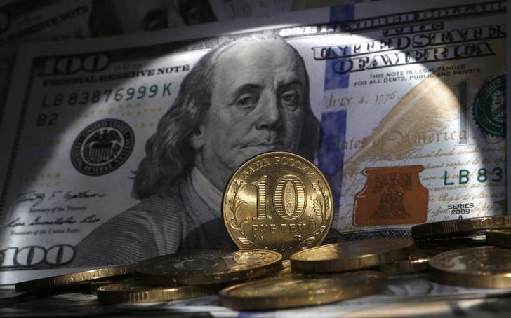 Рубль в выигрышном положении, однако рискует «перегреться»