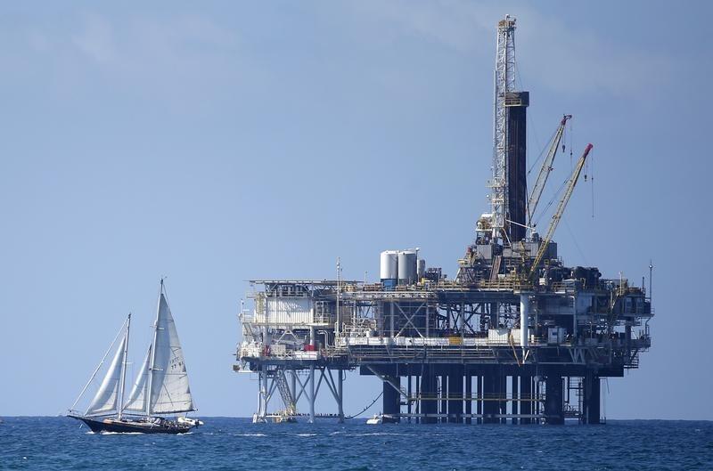 © Reuters.  NYMEX, minyak mentah jatuh di sesi Asia