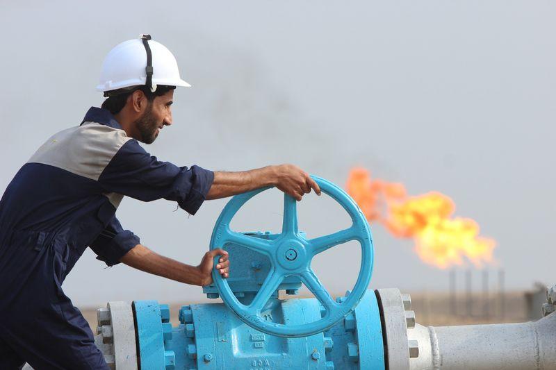 Нефть не будет дешевой долго – британский аналитик LYNXNPEBA20ZO_L