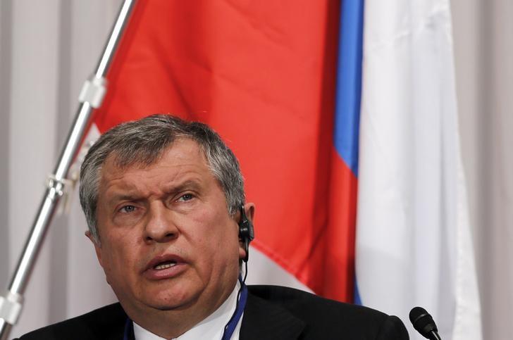 """Сечин: выкуп """"Роснефтью"""" своих акций не окажет негативного влияния на рубль"""