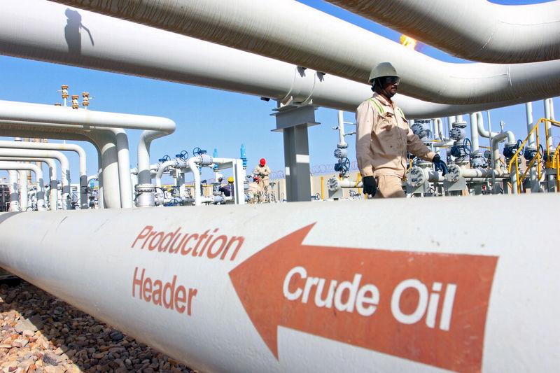 © Reuters.  Minyak mendaki naik jelang data persediaan AS & OPEC semakin optimis