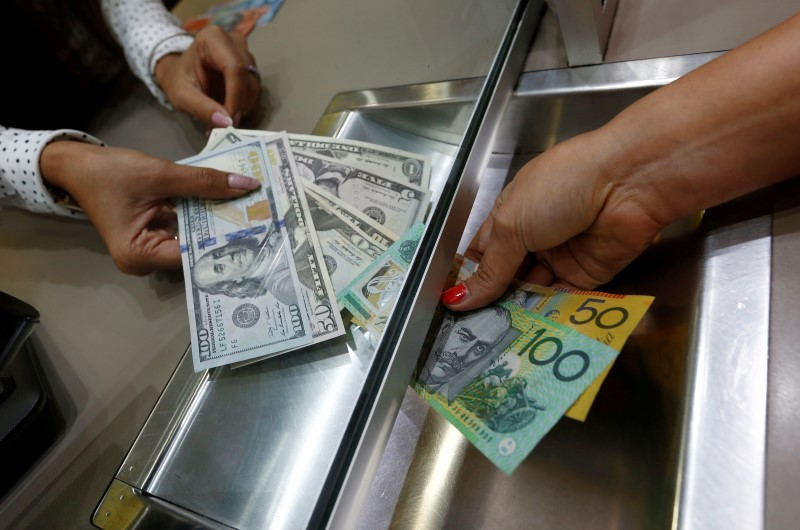 © Reuters. Австралийский доллар вырос