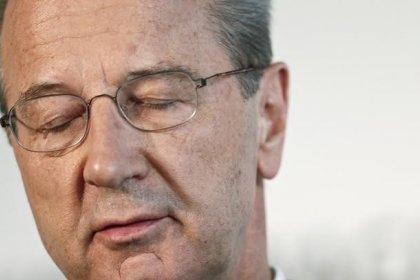 Schäuble critica a la directiva de Volkswagen por el pago de bonus