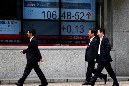 Dollar rebounds vs. yen, slips against other major currencies