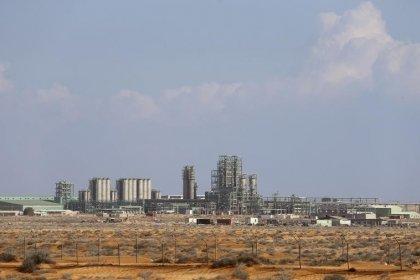 اتفاق بين الحكومة الليبية وحرس منشآت النفط لفتح موانئ