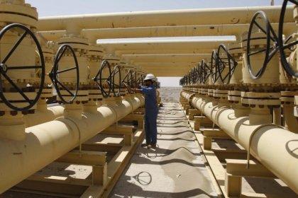 حصري-العراق يخطط لبيع النفط عبر إيران إذا فشلت المحادثات مع الأكراد