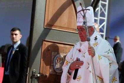Orthodox shun pope's Mass in Tbilisi, few Catholics turn out