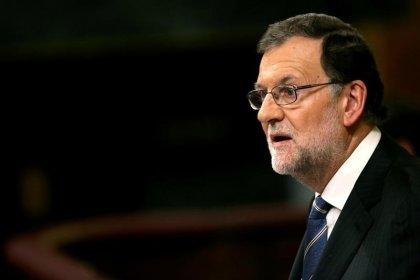 Rajoy dice aún es pronto para tomar eventuales medidas para cumplir déficit