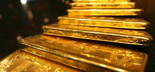 Gold gains on soft jobless claims report, Yellen comments