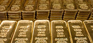 Gold prices continue gain into Asia on political, economic uncertainty