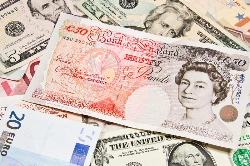 Forex - GBP/USD rises on strong UK retail sales data