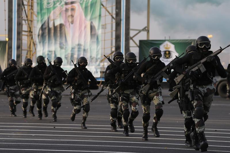 © Reuters. وزارة الداخلية: قوات الأمن السعودية تقتل أربعة متشددين