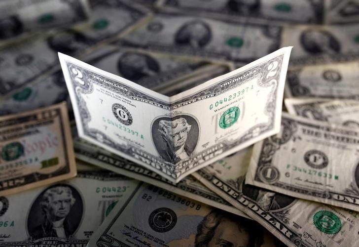 © Reuters. الدولار يستقر ومستوى قياسي منخفض لليوان في السوق الخارجية