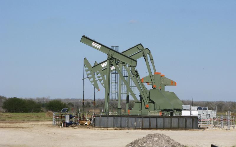 © Reuters. بيكر هيوز: حفارات النفط الأمريكية تسجل أكبر زيادة شهرية منذ يوليو