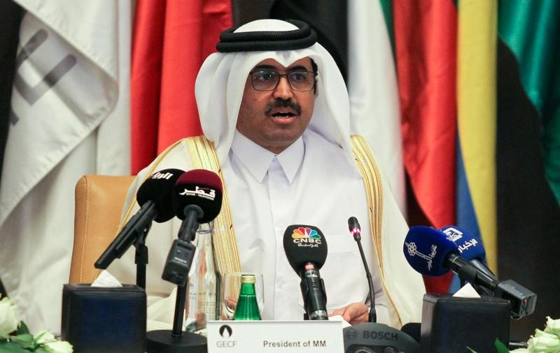 © Reuters. وزير الطاقة القطري: سوق الغاز المسال تواجه ضبابية متزايدة