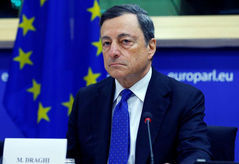 © Reuters. Draghi ve la inflación cerca de su objetivo en 2018-2019