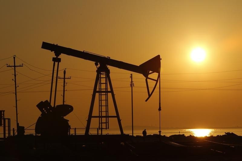 © Reuters. وزير الطاقة الأذربيجاني: لا نية لزيادة إنتاج النفط في 2017