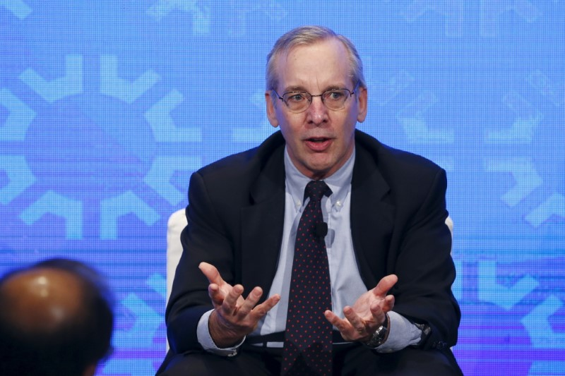 © Reuters. New York Fed President William Dudley takes part in a panel convened to speak about the health of the U.S. economy in New York