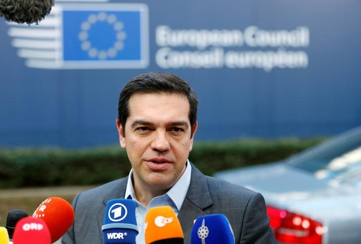 © Reuters. Greece's PM Tsipras arrives at a EU leaders summit in Brussels
