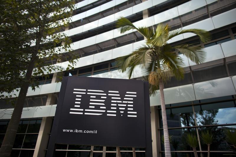 © Reuters. Los ingresos de IBM caen por decimotercer trimestre consecutivo
