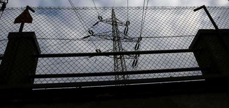 La CNMC propone que las eléctricas y no el consumidor asuman las fugas de energía