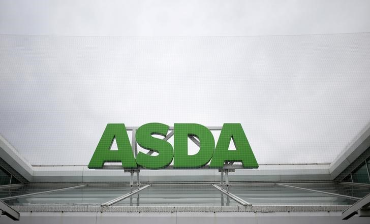 © Reuters. A sign is seen outside an Asda store in northwest London