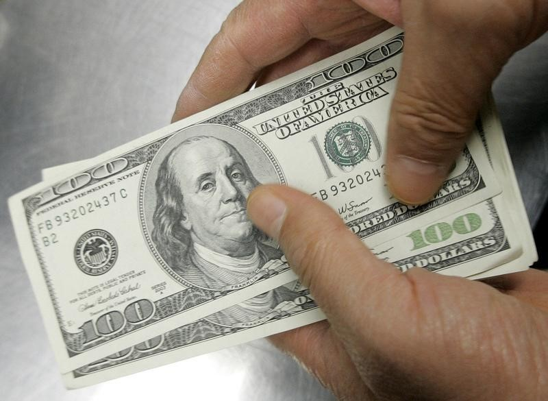 Dollar fails to find foothold as market awaits Yellen