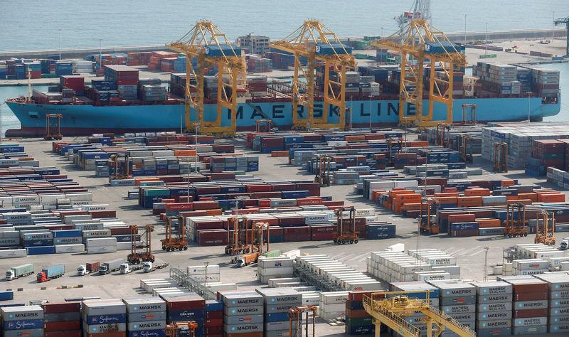 © Reuters. El déficit comercial se reduce casi un 20 por ciento en agosto