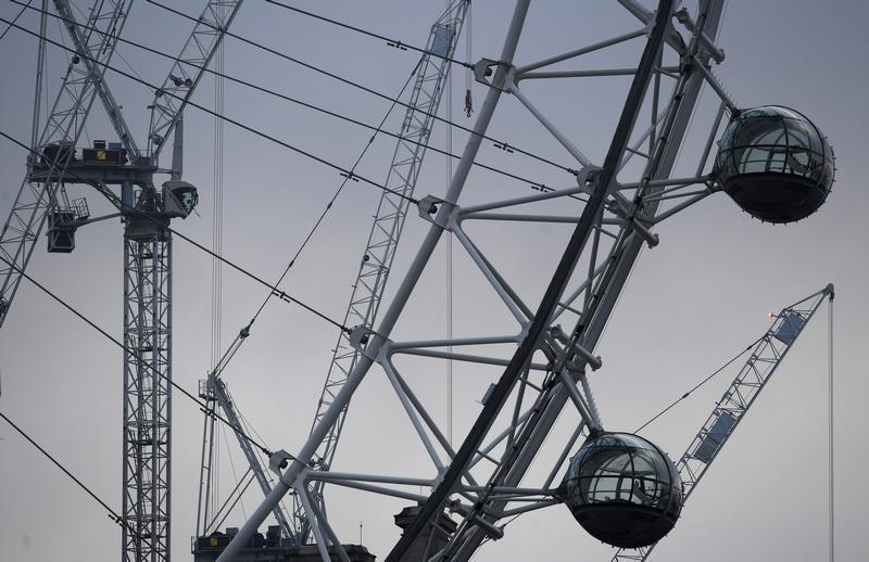 La economía británica desafía al Brexit y crece sólida en tercer trimestre
